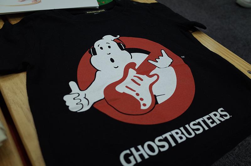 また、今年30周年を迎えるという、ゴーストバスターズとのコラボTシャツも、さりげなく音楽アイテムがあしらわれていて、オリジナルとは一味違う!!! ほかにも今期はアウトドア系アイテムが充実。ぜひパパと一緒にチェックしたい。