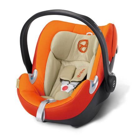 ATON Q ¥37,800 重量:4.6kg サイズ:W440×D651×H561mm 使用期間:新生児~18ヶ月頃(体重2.5~13kg)