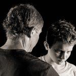 父親は家にいない存在、犯罪を助長する誤った子育て