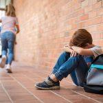 学校で子供が孤立しないための「周りに染まらない」生き方とは?